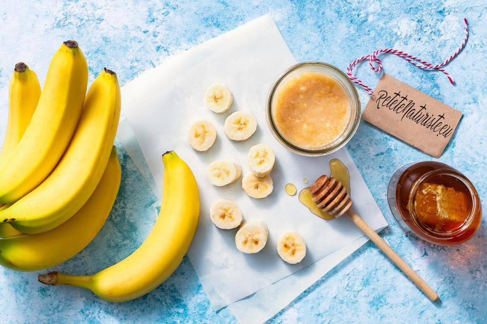 Banane, miere și apă: spuneți la revedere tusei și bronșitei