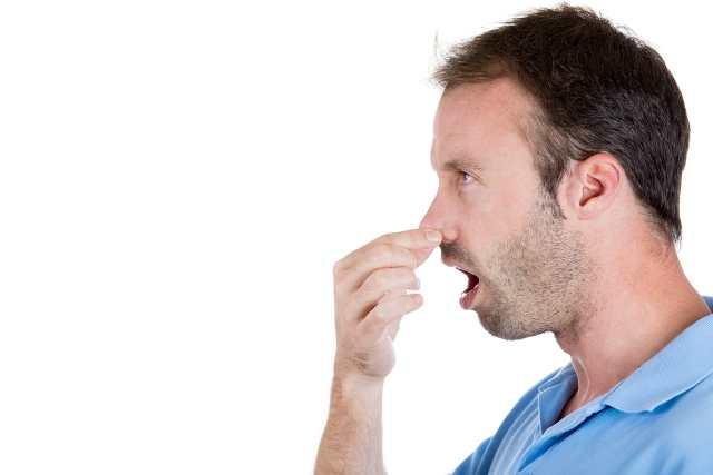Scapă de mirosul urât din gură