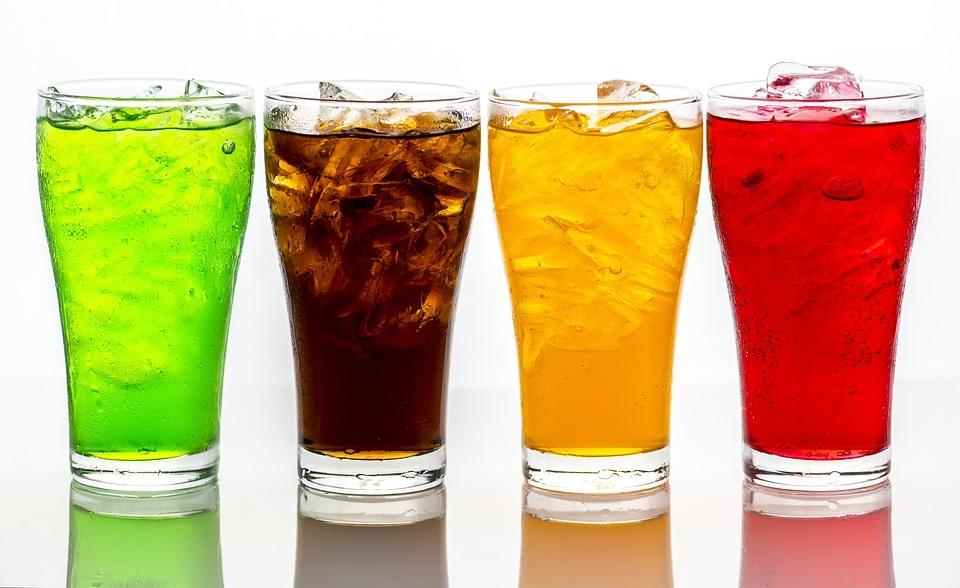 Citeste ce se îmtâmplă în organismul tău când bei Cola,  în Mai Puțin De 45 de minute!!!